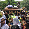 On Easter, Salvadorans bury priest assassinated during Holy Week