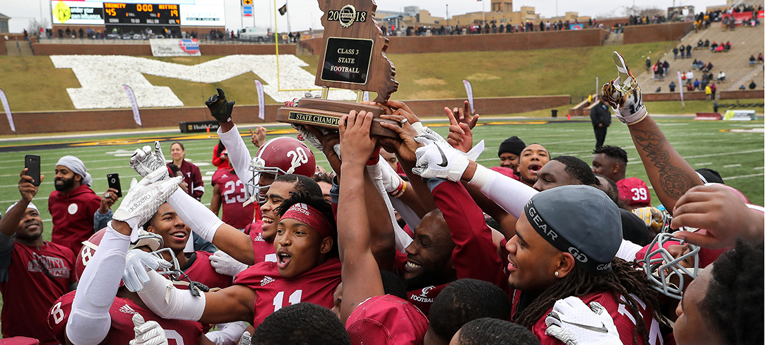 Offense powers Trinity Catholic to Class 3 football title