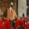 Pallium is sign that shepherds live for their sheep, pope says