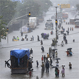 Mumbai Catholics open churches for thousands stranded by flooding