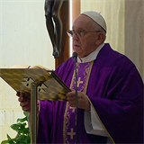 'In the assembly, I will bless the Lord,' says Pope Francis at Mass offered for victims of coronavirus