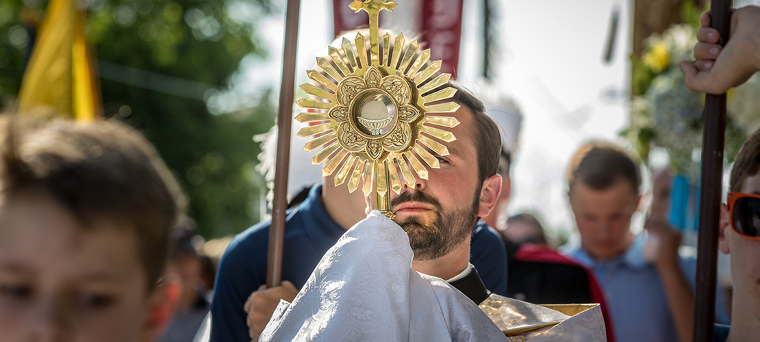 Corpus Christi procession in Washington brings Jesus to the streets for all to see