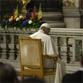 At start of month of Rosaries, pope entrusts all of humanity to Mary