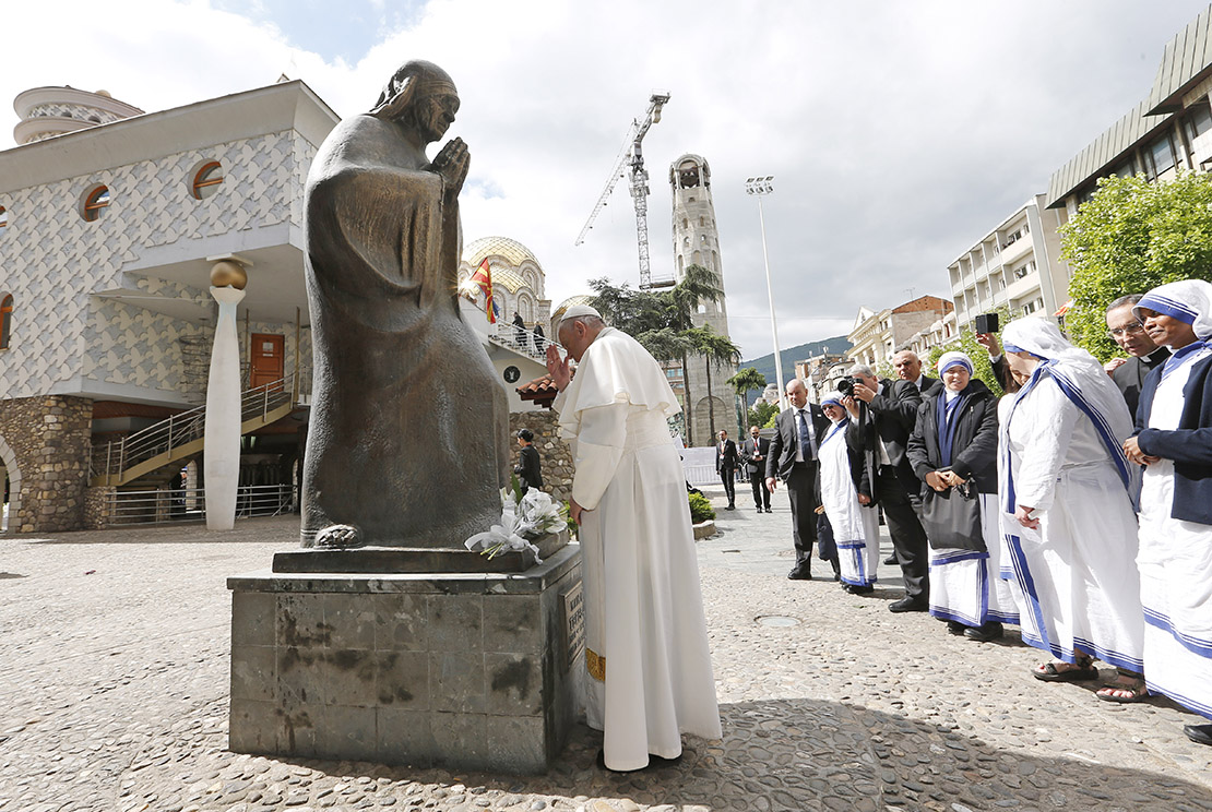 Pope Francis prayed in front of a statue of Mother Teresa at the Mother Teresa Memorial during a meeting with religious leaders and the poor in Skopje, North Macedonia, May 7.
