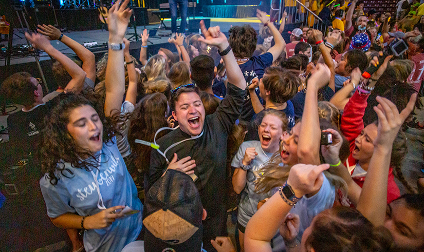 """At Steubenville youth conference, teens see how they """"Belong"""" to God"""