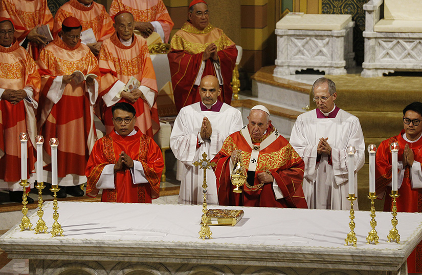 Pope Francis celebrated Mass with young people in Assumption Cathedral in Bangkok, Thailand, Nov. 22.